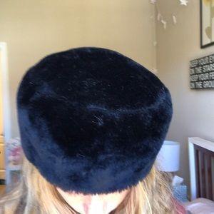 Accessories - fuzzy black hat